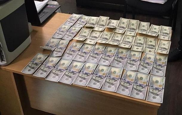 В Харькове судья требовала взятку за возвращение изъятых денег