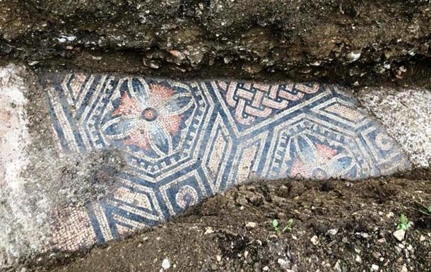 Древнеримскую мозаику обнаружили под виноградником в Италии