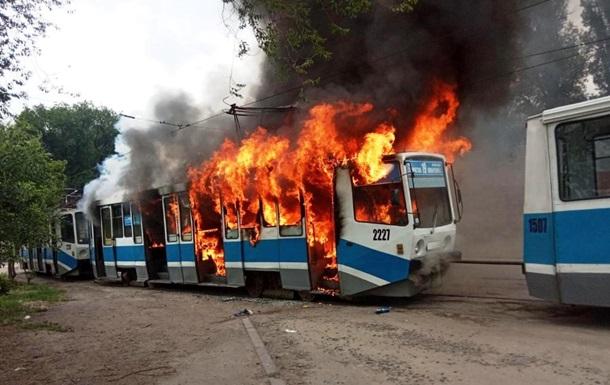 У Дніпрі загорівся на ходу трамвай