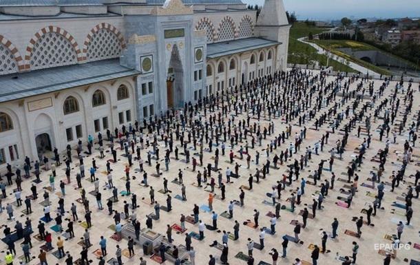 У Туреччині відкрили мечеті після карантину