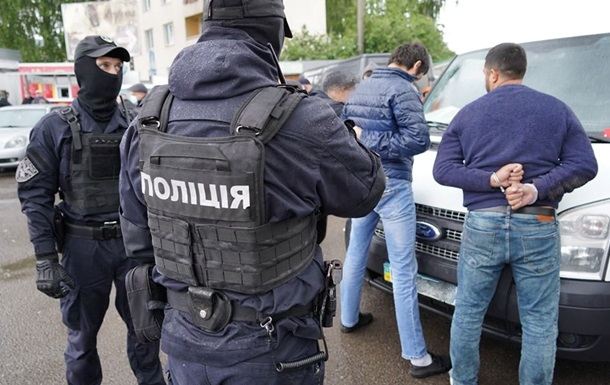 Во Львовской области задержали группу вымогателей