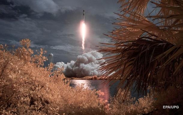 Crew Dragon пристикувався до МКС
