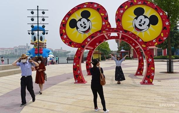 У США дозволили поетапне відкриття Disneyland