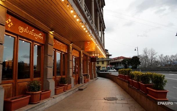 У Грузії відновлюють роботу ресторани і ТРЦ