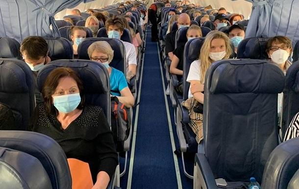 Українців евакуюють 40 рейсів з різних країн