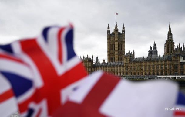 В Британии рекордно низкое суточное число умерших от COVID-19