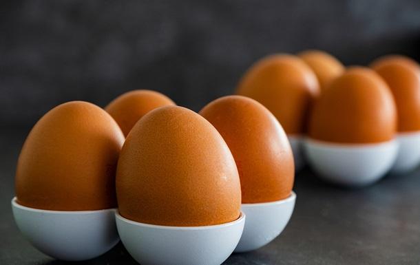 Блогер показал, как почистить яйцо, и стал звездой
