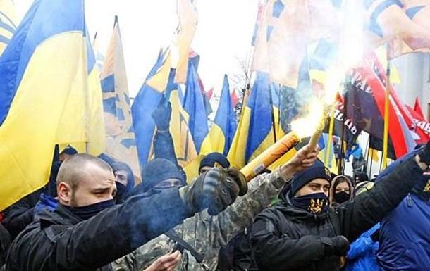 Кто и для чего финансирует радикальных националистов Украины