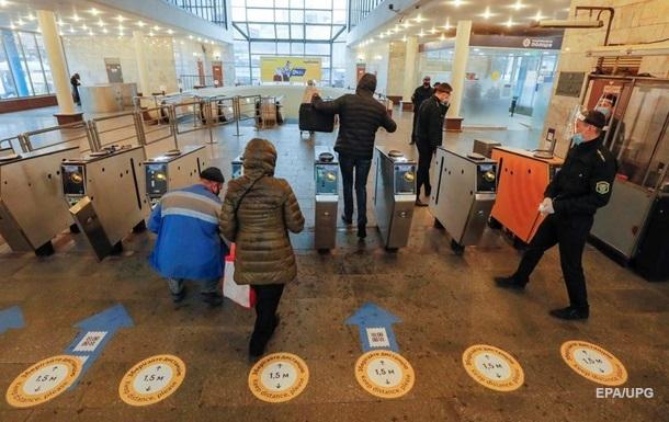 В Киеве начали ограничивать вход в метро