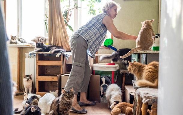 Киевлянка 10 лет держит в квартире приют для животных