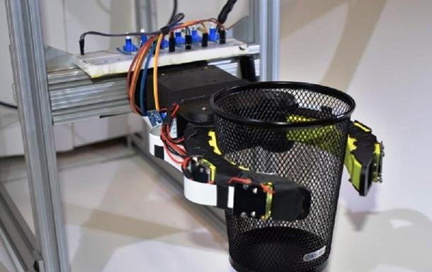 Ученые создали роботов с щупальцами для захвата чипсов