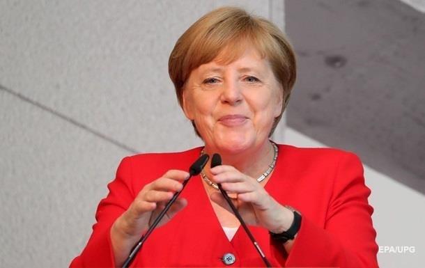 Меркель категорично відкидає похід на п ятий термін