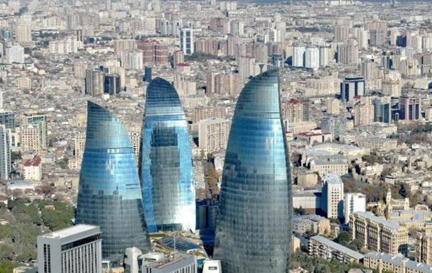 Жителям Баку запретили выходить из дома