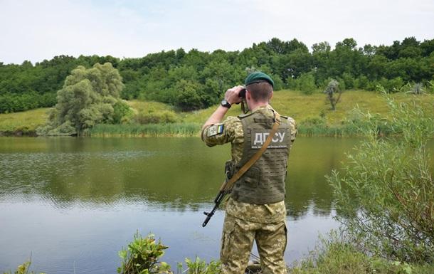 Українець стрибнув з моста в річку і був віднесений течією в Угорщину