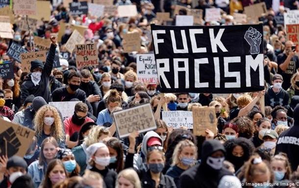 Смерть Флойда: на протести у всьому світі вийшли сотні тисяч людей