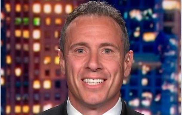 Голый телеведущий CNN случайно попал в ролик жены