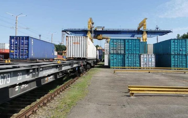 Украина приняла первый прямой контейнерный поезд из Китая