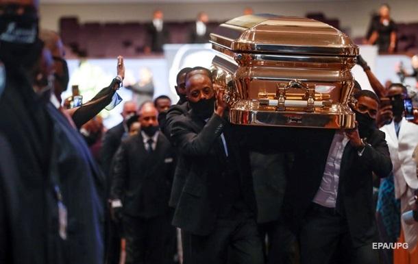 Джорджа Флойда похоронили в Техасе