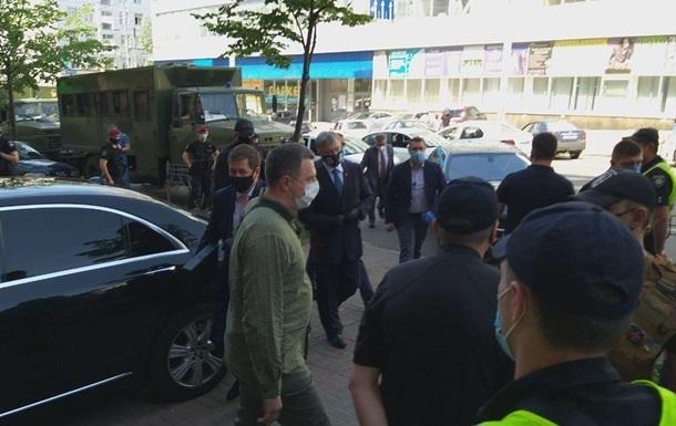 ГБР обратится в суд по мере пресечения Порошенко