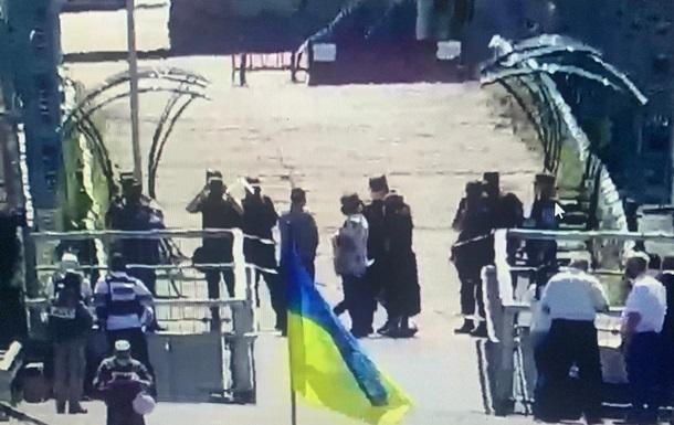 Сепаратисти блокують роботу пунктів пропуску на Донбасі