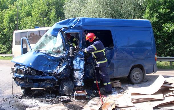 На Хмельнитчине ДТП забрало жизни трех людей