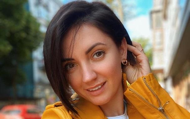 Ольга Цибульская снялась без макияжа и с глубоким декольте