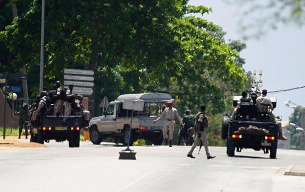 У Кот-д Івуарі 10 військових загинули внаслідок нападу бойовиків