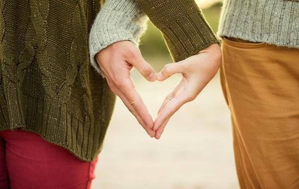 Мужчины и женщины влюбляются по-разному - ученые
