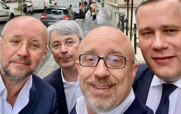 Українська делегація після повернення з Парижа здала тести на COVID-19