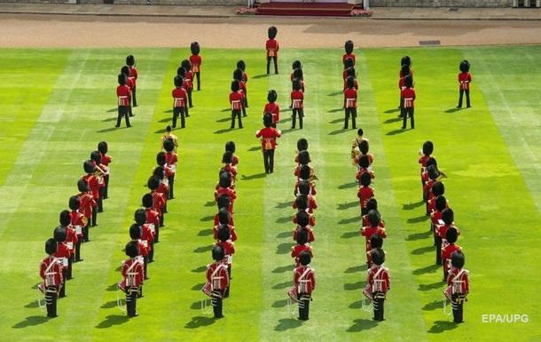 В Британии прошел парад в честь королевы