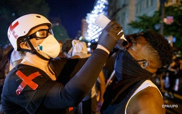 В США признали использование перцового газа на протестах у Белого дома