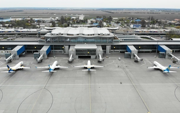 Запуск авіасполучення: МОЗ розділив країни на дві зони