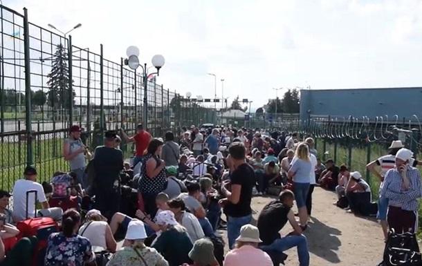 На кордоні з Польщею погіршилася ситуація з пропуском українців