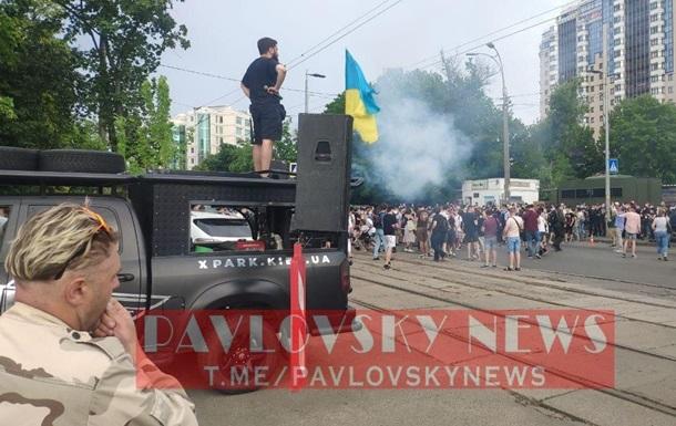 У Києві учасники акції на підтримку Стерненка перекрили дорогу