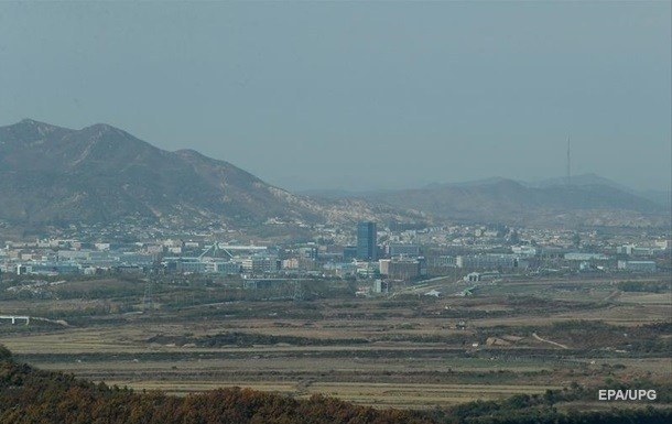 КНДР возобновляет военные учения вблизи границы с Южной Кореей