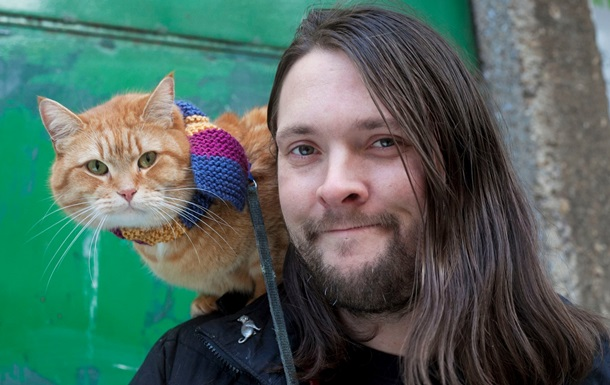 Вуличний кіт на кличку Боб помер у Британії