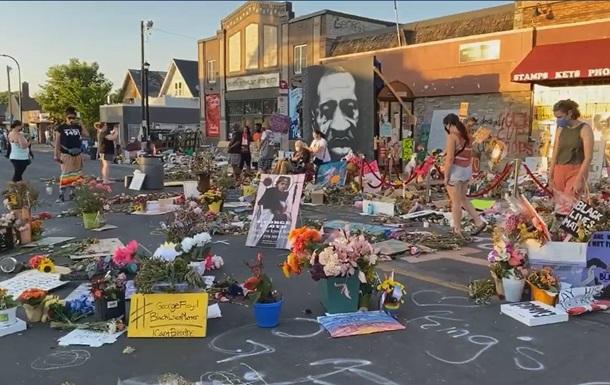 В США на месте гибели Джорджа Флойда начались  чудеса