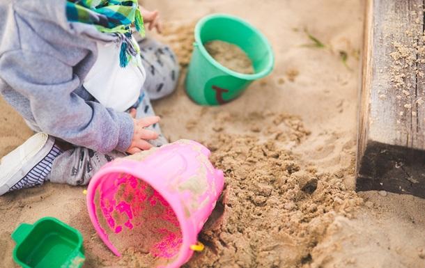 Женщина создала съедобный песок и прославилась