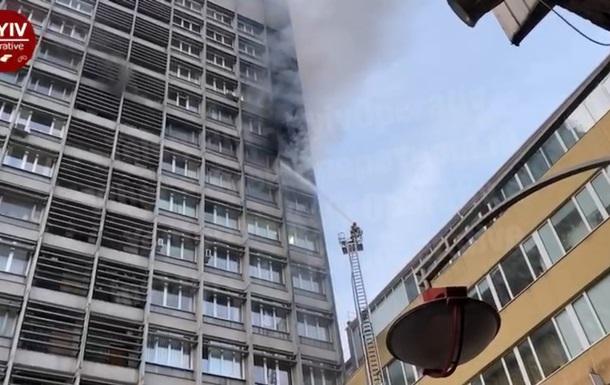 Через пожежу в центрі Києва утворилися затори