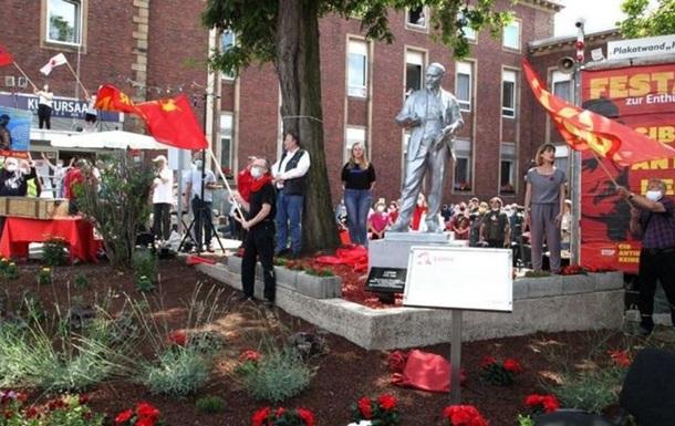 В Германии установили монумент Ленину