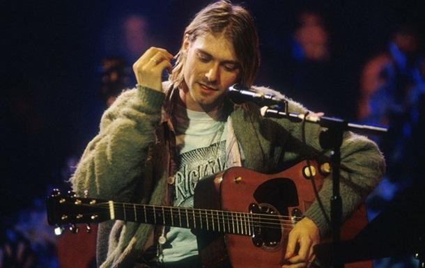 Гітара Курта Кобейна пішла з молотка за рекордні шість мільйонів доларів