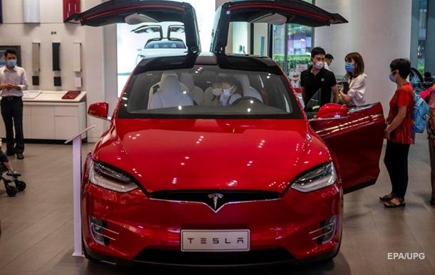 Tesla планує відкрити новий завод і залучити більше мільярда доларів