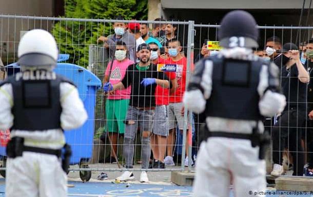 В Германии жители дома со вспышкой COVID атаковали полицию