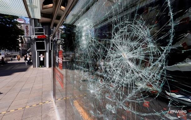 Погромы в Штутгарте: ранены 19 полицейских