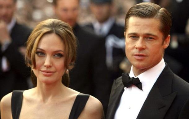Анджелина Джоли назвала причину развода с Брэдом Питтом
