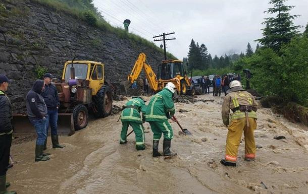 На Прикарпатье дали первую оценку ущерба от паводка