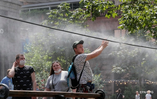 Летом - дома. Почему украинцев не пускают в ЕС