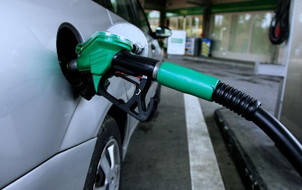 Кабмин отказался расследовать импорт топлива из РФ