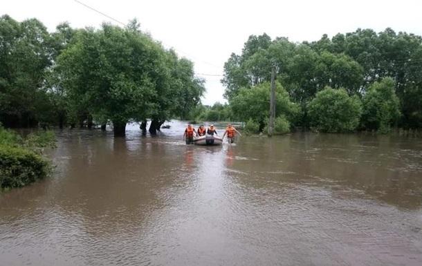 На заході України евакуювали більше 800 людей через повінь