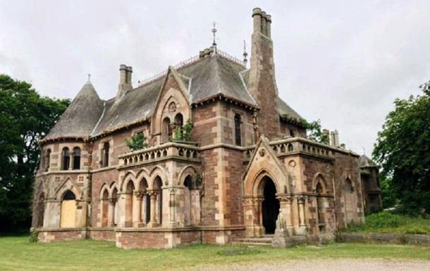 В Шотландии продается готический замок за 1 фунт: фото